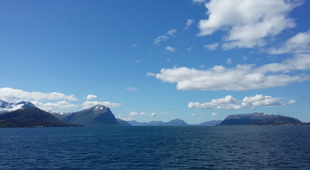 You can take a boattrip to see the islands around Ålesund