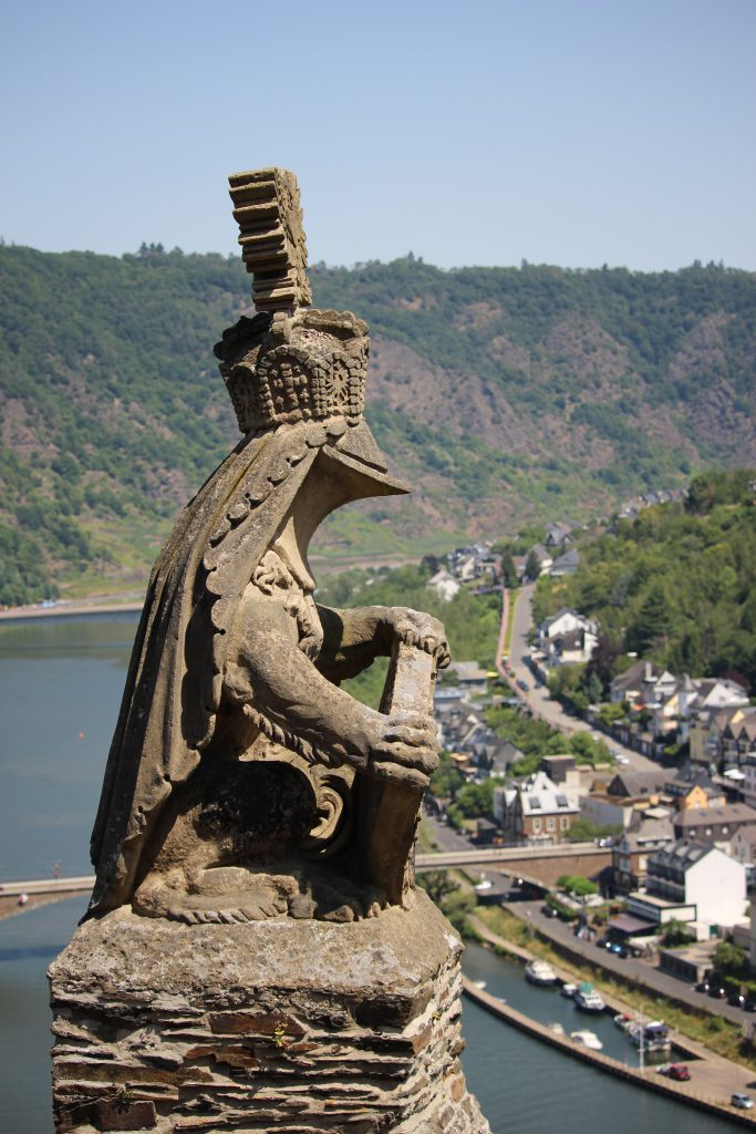 Guard at the entrance of Reichsburg castle Cochem