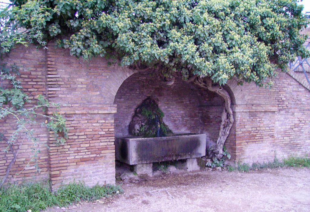 Fountain in Villa Borghese park