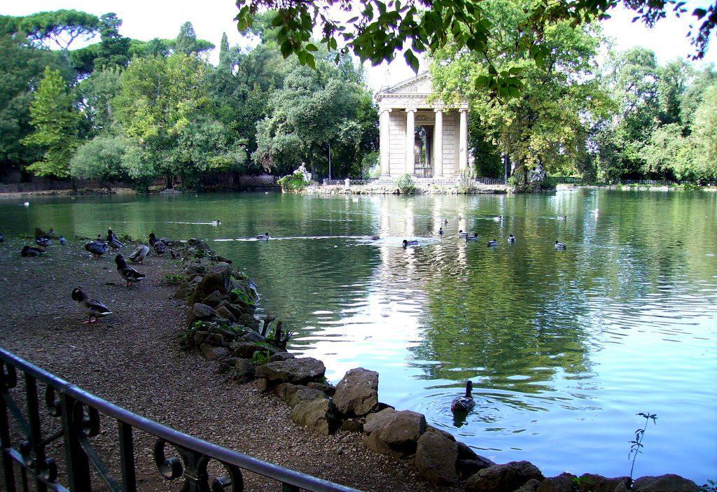 Pond in Villa Borghese park